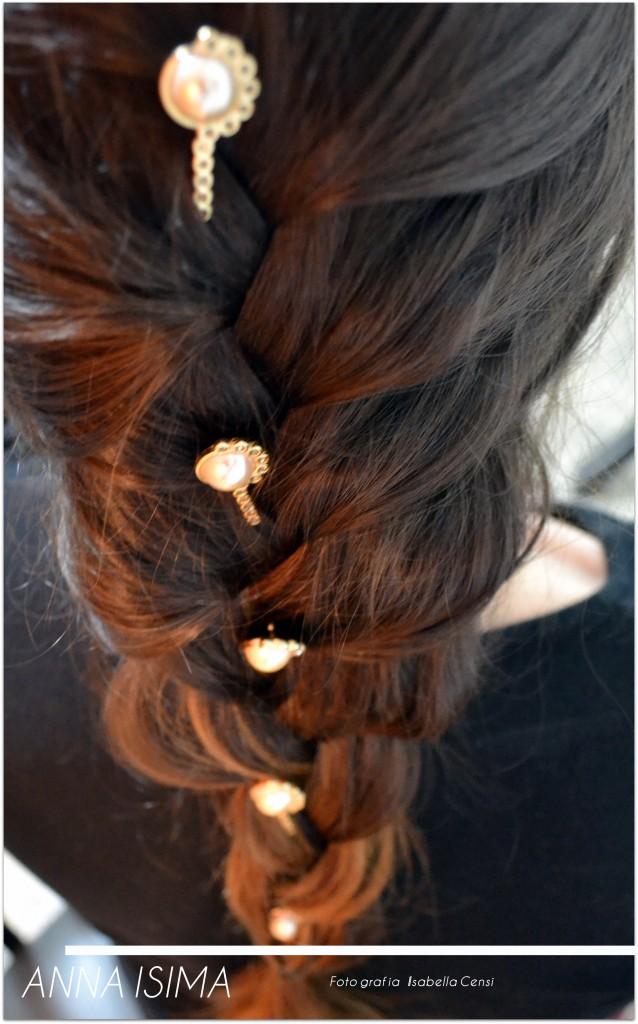 Penteado para home office: Modelo usando penteado trança embutida com grampos da marca Anna Isima