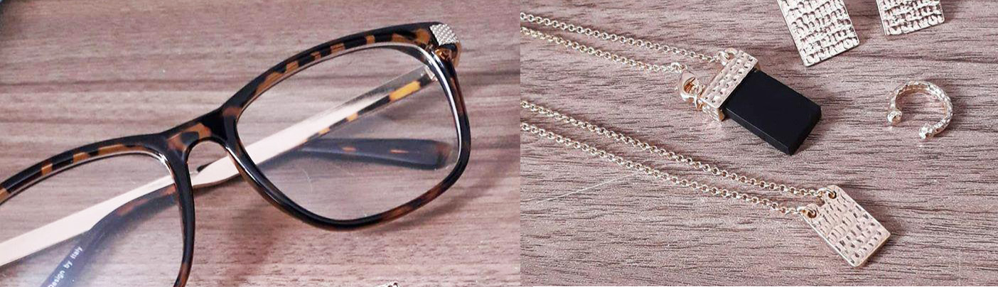 como combinar óculos com acessórios