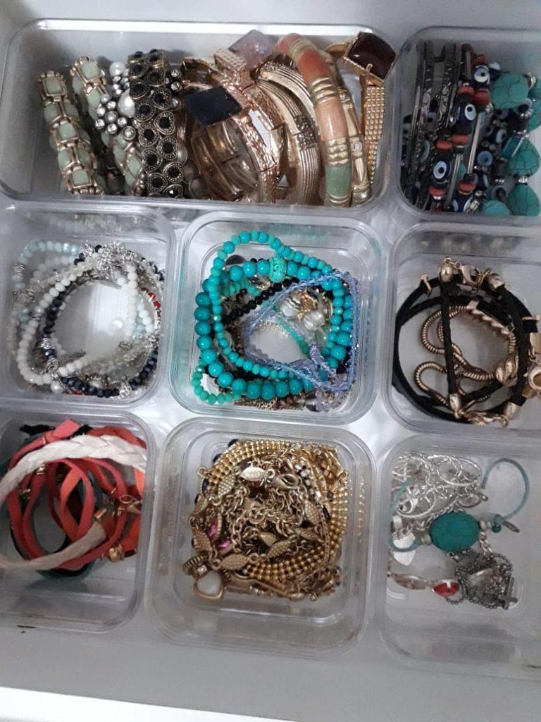 Como guardar as suas bijuterias : Organização
